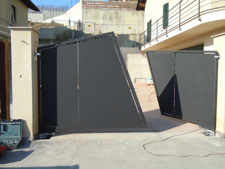 Cancello Esterno Moderno : Opere metalliche cancello e cancelletto moderno in ferro emsign